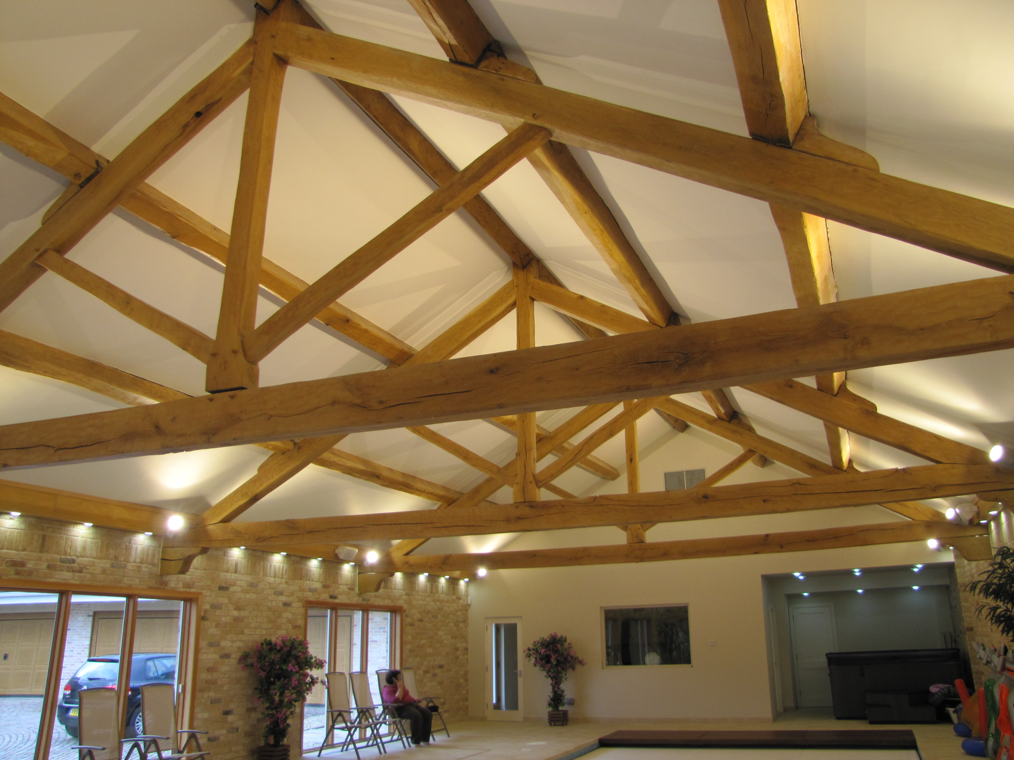 Ten Metre Span King Post Truss Altham Oak