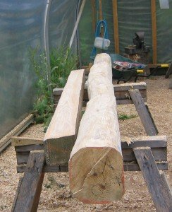 Hand-cut and Band-sawn green oak beam compared