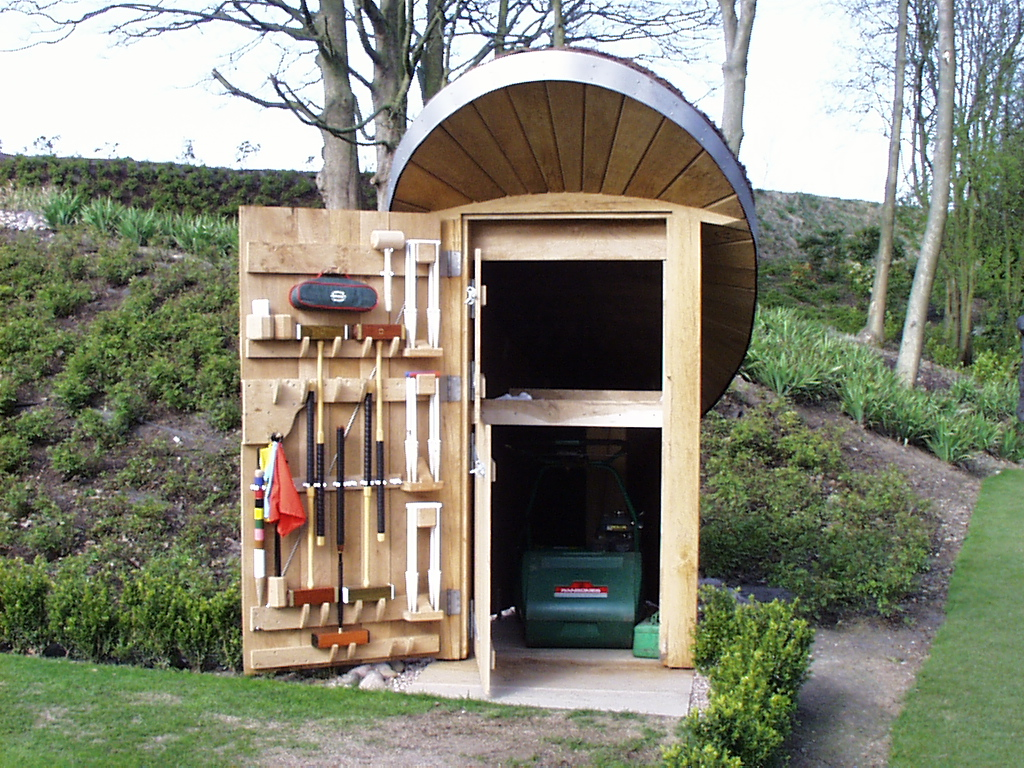 Bespoke garden building altham oak for Small garden shelter